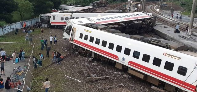 22 Die, 160 Injured  in Train Accident in Taiwan