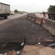 Section of Lagos-Sagamu Express to Be Shut to Traffic for 3 Not 90 Days-FG